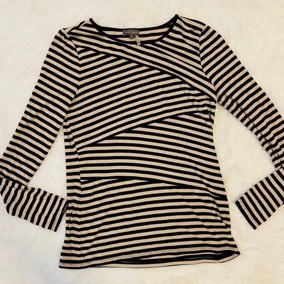 Vince Camuto Tops - Vince Camuto Stretchy Striped Top size Small